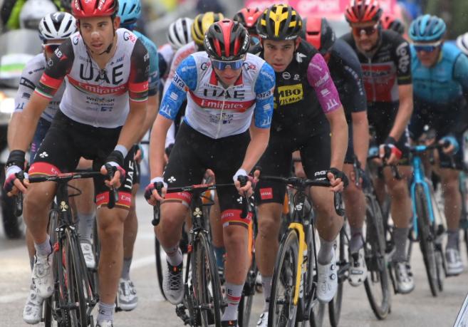 Tadej Pogacar se mantuvo como líder de la Tirreno-Adriático tras la etapa 5.