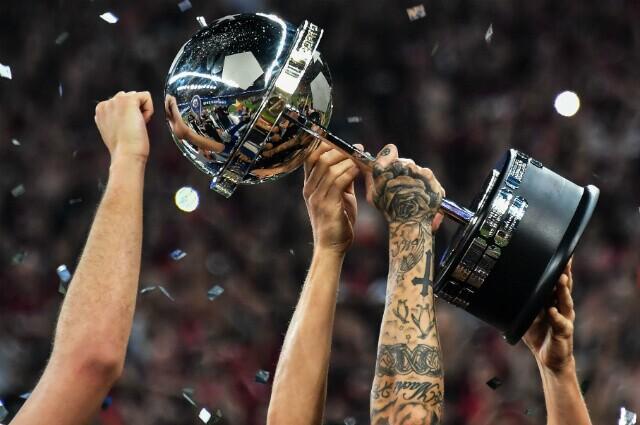 312056_copa_sudamericana_trofeo_090519_afp_e.jpg