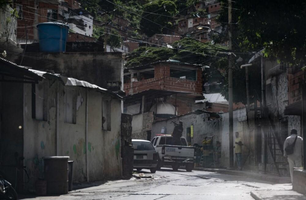 Enfrentamientos entre bandas criminales y policías en Caracas, Venezuela