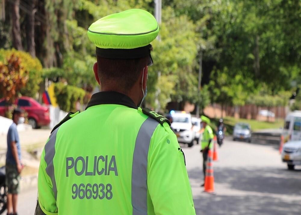 FOTO BGA POLICIA TRÁNSITO.jpg