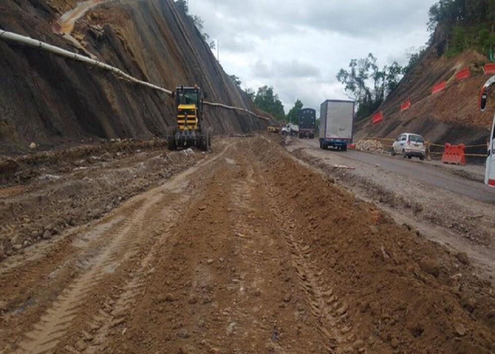 345024_BLU Radio. Derrumbes afectan vías en Santander / Foto. Concesión Ruta del Cacao