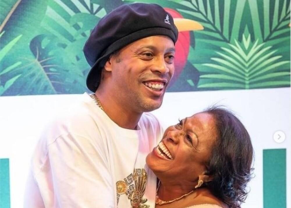 Ronaldinho y su mamá Instagram.jpg
