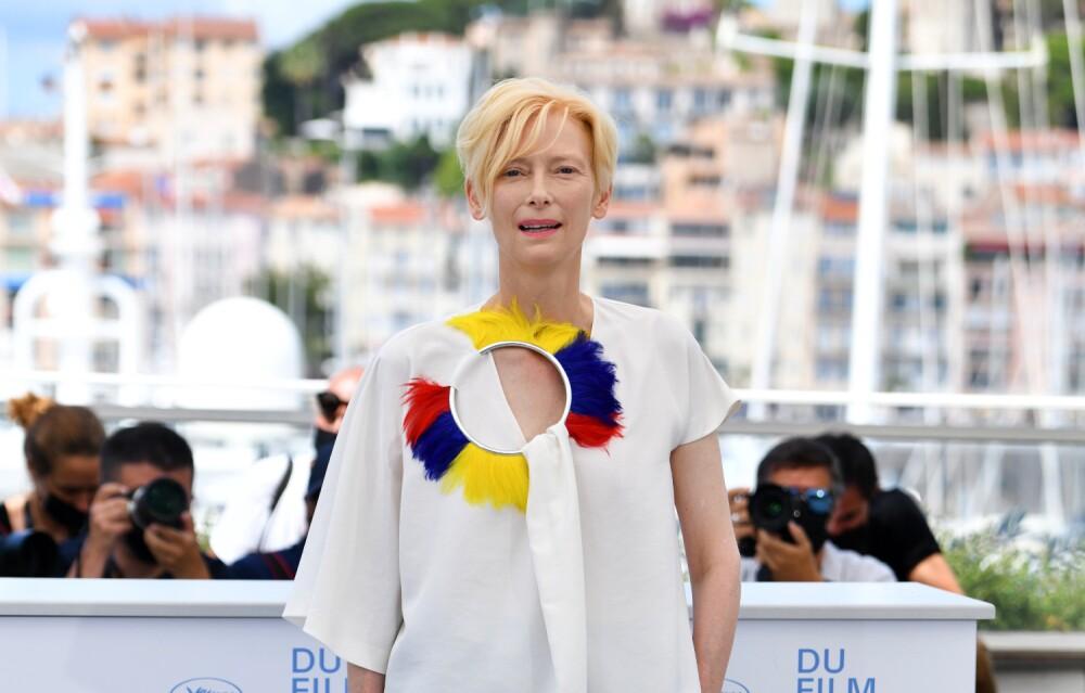 Tilda-Swinton-Cannes-Colombian-Flag.jpg