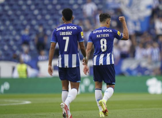 Luis Díaz y Mateus Uribe, jugadores colombianos del Porto. @FCPorto.PNG