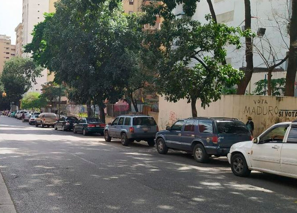 Filas para tanquear en Caracas