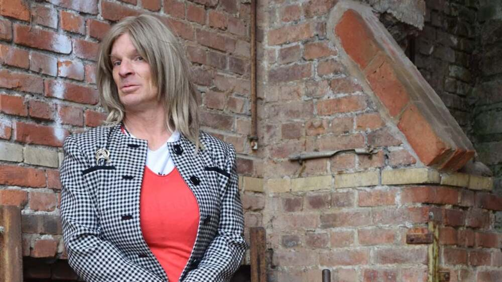 mujer trans que sueña con ser monja.jpg