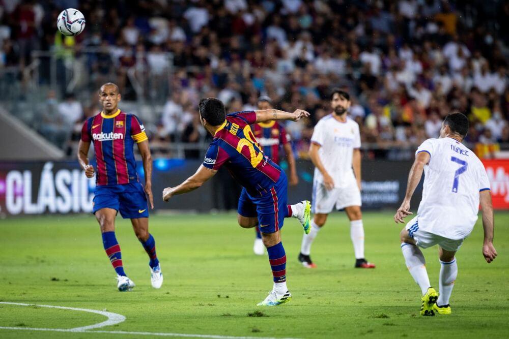 Leyendas del Barcelona contra Leyendas del Real Madrid
