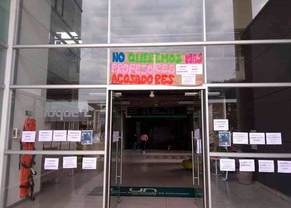 371749_Protesta contra el acoso sexual en la Universidad Nacional sede Manizales // Foto: Facebook VoxMedia Col