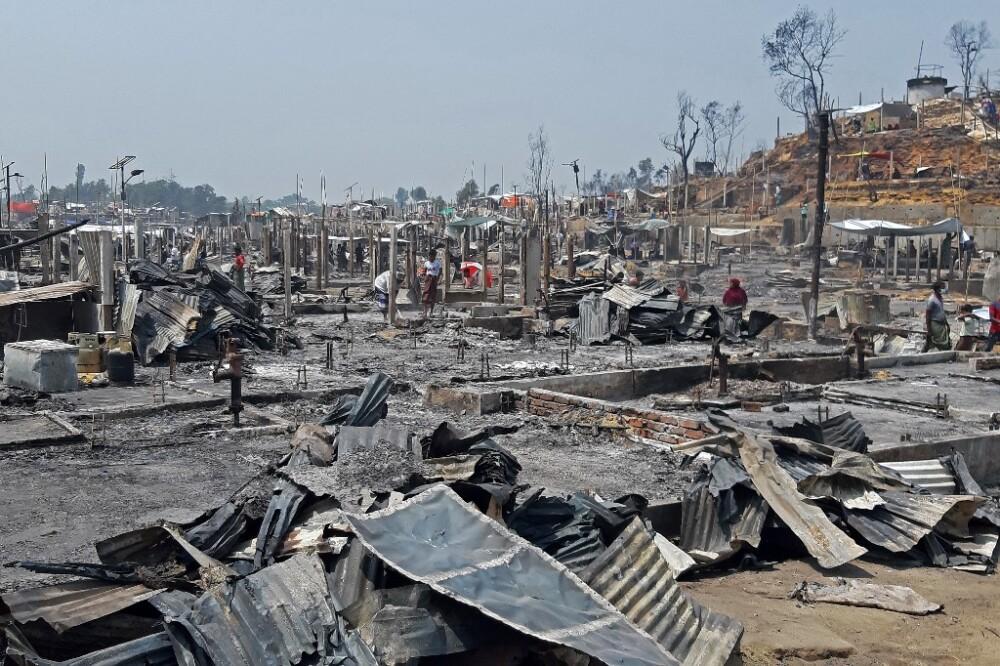 Incendio en campo de refugiados en Cox's Bazar, Bangladés.jpeg