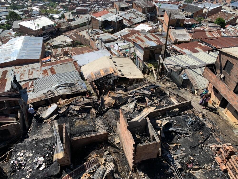 incendio en el barrio Nueva Jerusalén de Bello.