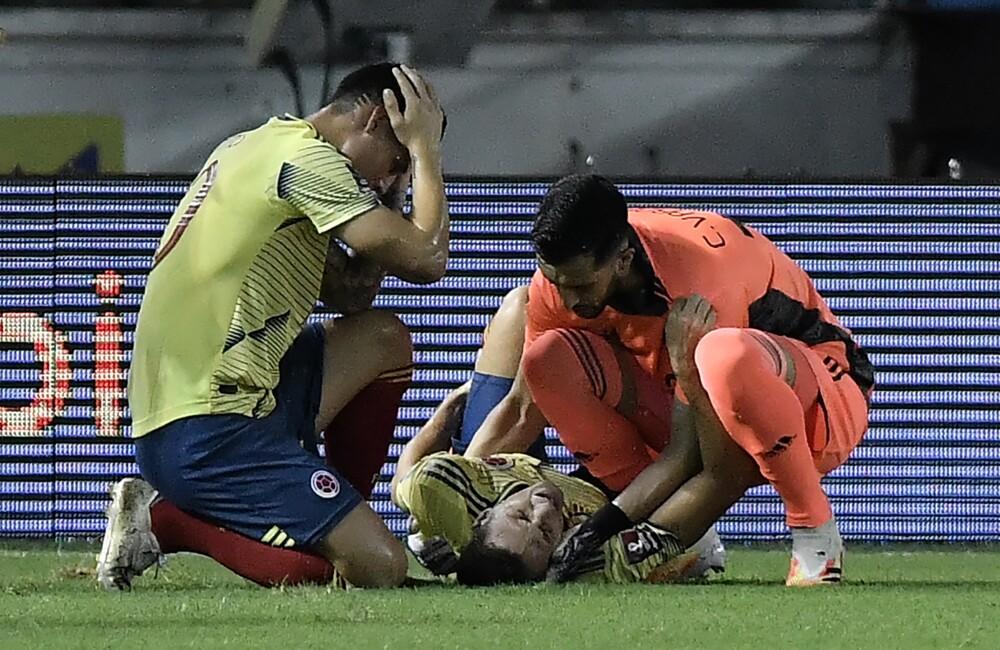 Santiago Arias lesionado.