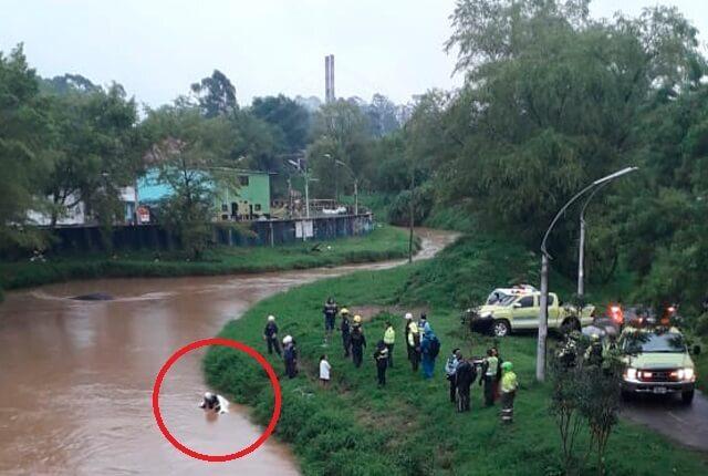 accidente-de-transito-en-renaul-4-en-rionegro.jpg