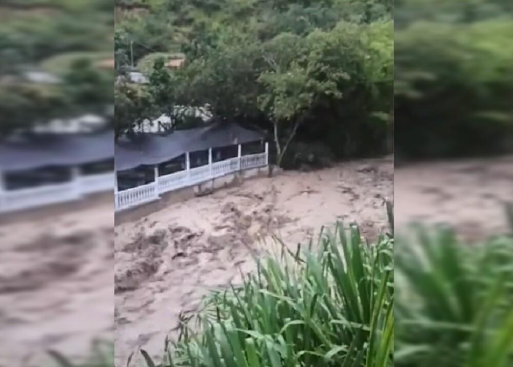 desbordamiento rio manco.jpg