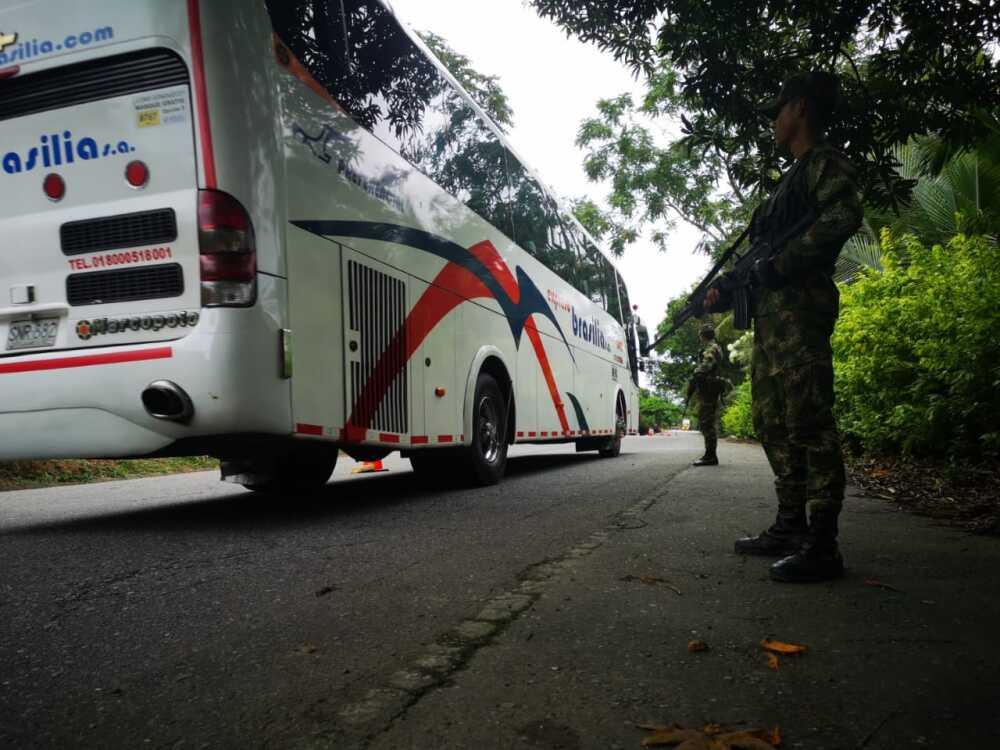 Ejército en la vía a la Costa Caribe.jpeg