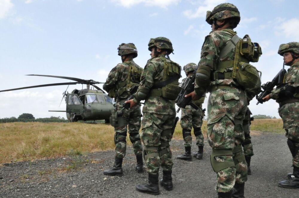 301178_BLU Radio. Ejército / Foto: Ejército