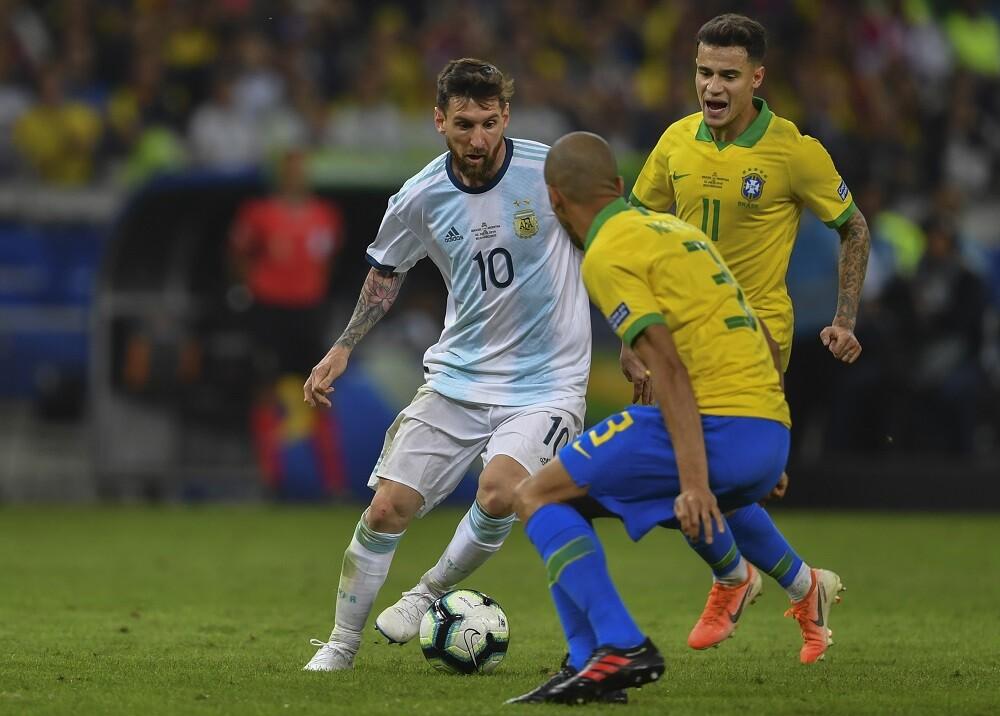337819_BLU Radio. Brasil vs. Argentina // Foto: AFP