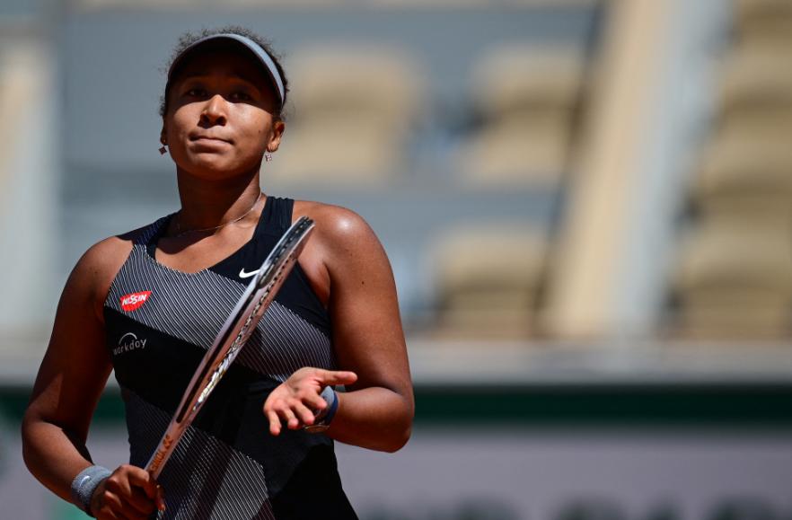 Naomi Osaka no quiere hablar con la prensa en Roland Garros.