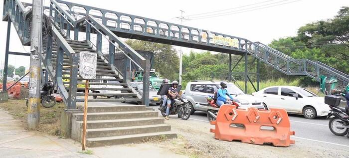 puente en la vía Cali - Jamundi.jpg