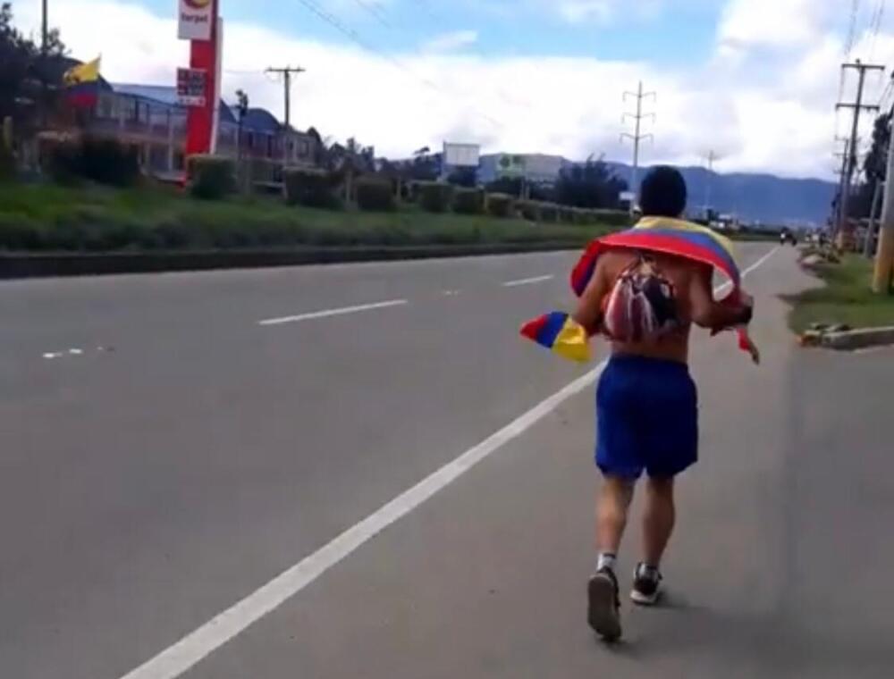 Julián Esteban Villegas caminó hasta Bogotá para hablar con Iván Duque