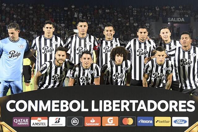 332606_Daniel Bocanegra y Alexander Mejía en el equipo titular de Libertad