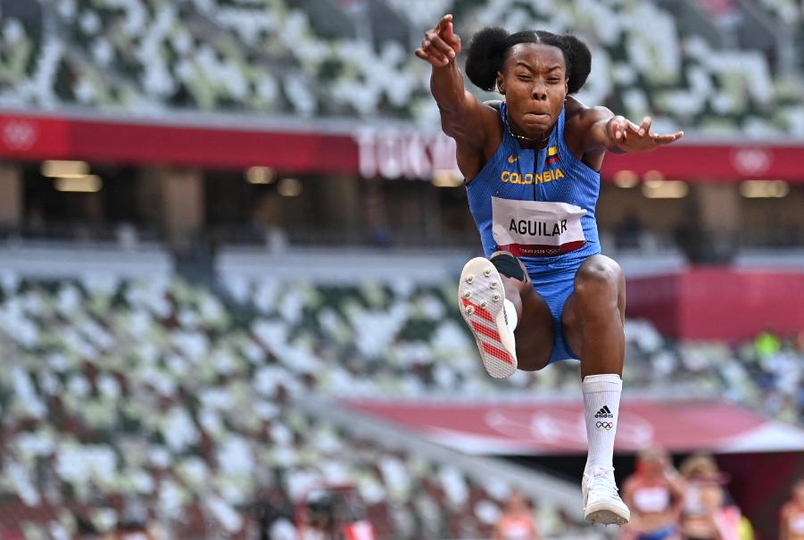 Evelis Aguilar es octava en el heptatlón de los Juegos Olímpicos Tokio 2020 a falta de una prueba.