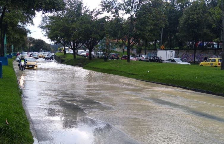 Fuertes lluvias en Bogotá.JPG