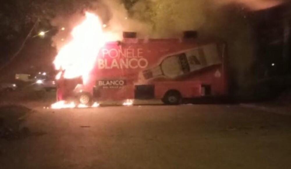 Cali_buses incinerados.jpg