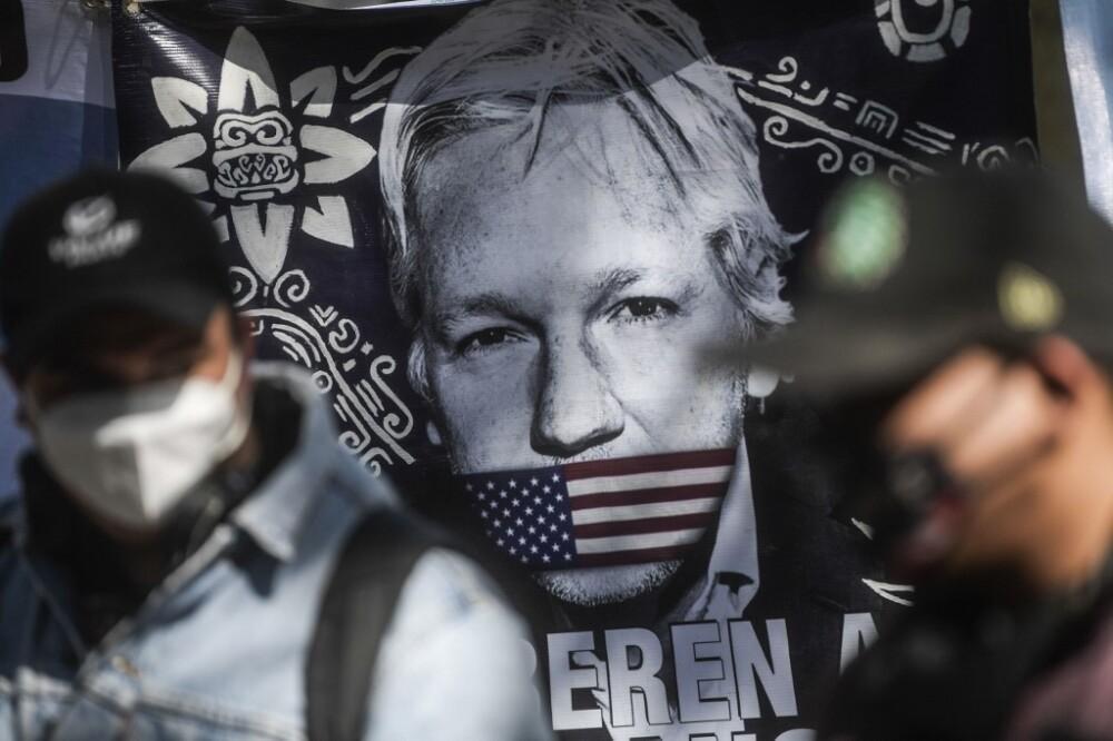 Mural en homenaje a Julian Assange