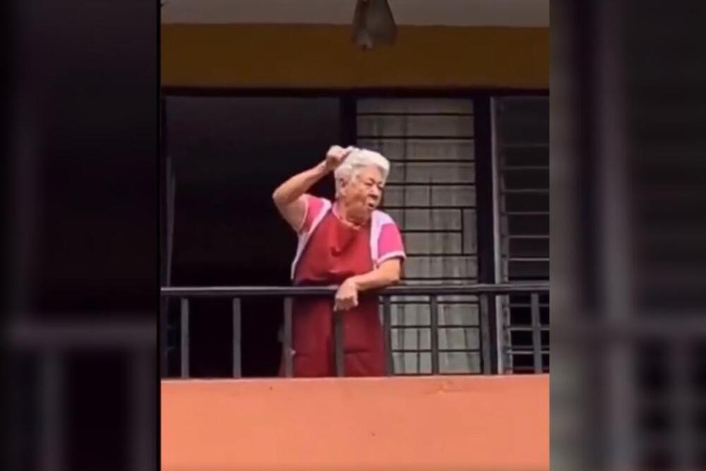 abuelita se volvió viral por apoyar marchas en el paro nacional desde el balcón de su casa