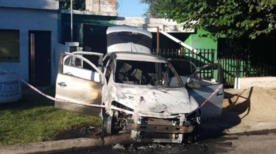 mujer incendio carro en Argentina y murió quemada