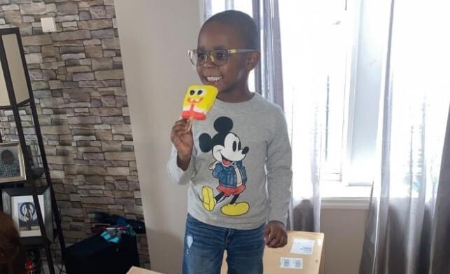 Niño pidió 2600 dólares en paletas heladas