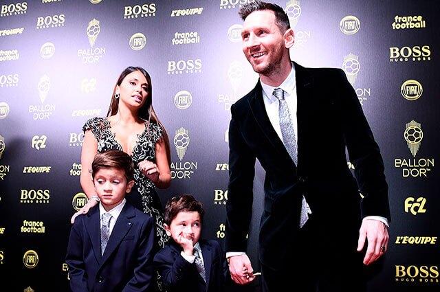 AFP: Lionel Messi junto a su familia en la gala del Balón de Oro 2019