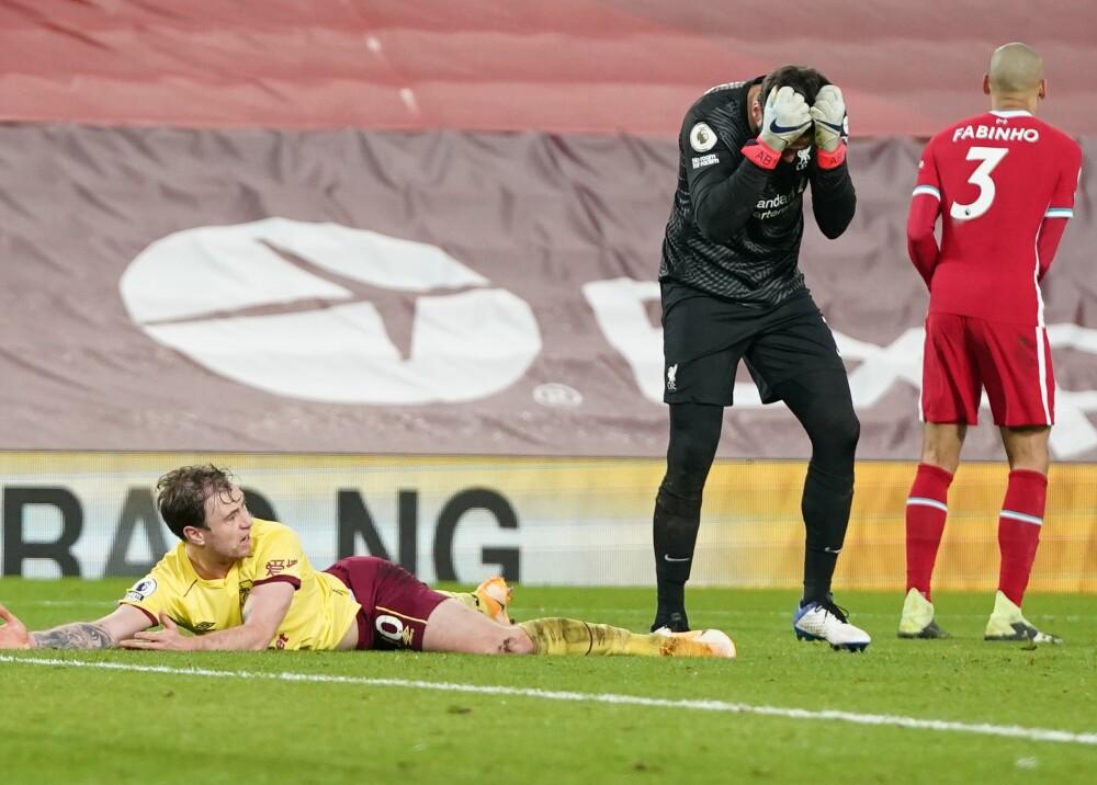 Liverpool ante Burnley en la Premier AFP.jpg
