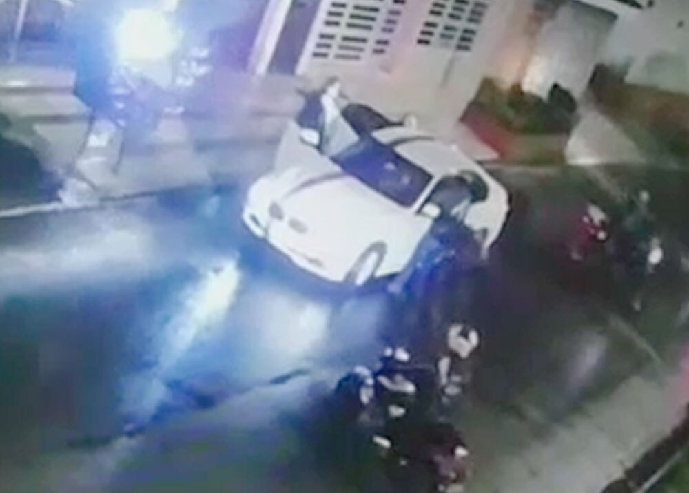 Banda de ladrones en moto en Kennedy