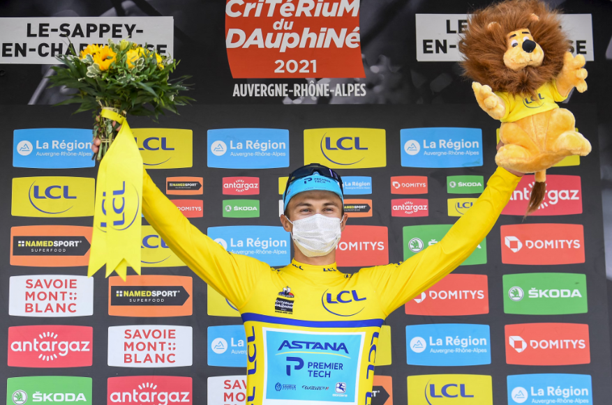 Alexey Lutsenko es el líder del Critérium del Dauphiné 2021.
