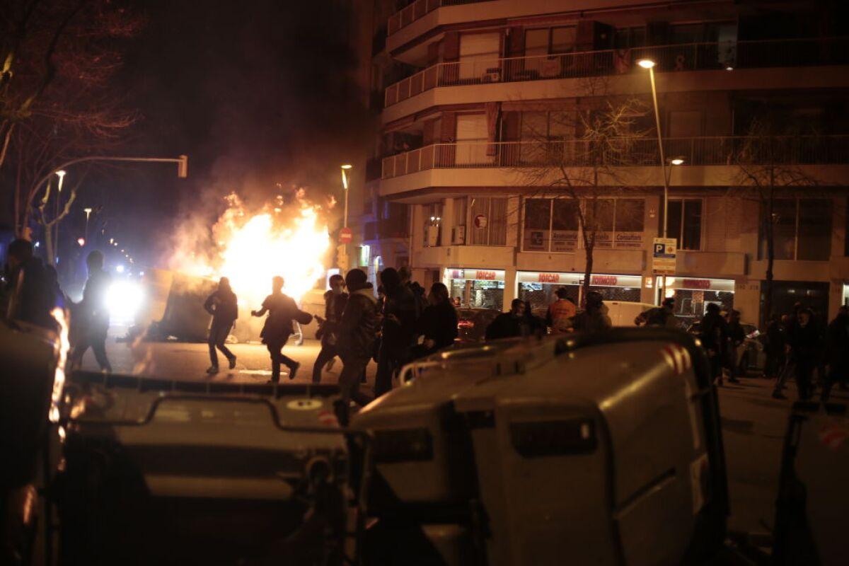 Protesta contra la detención del rapero Pablo Hasél en Barcelona