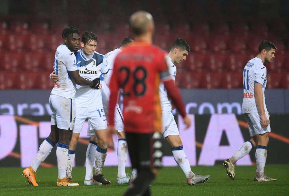 Duvan Zapata Benevento Calcio v Atalanta