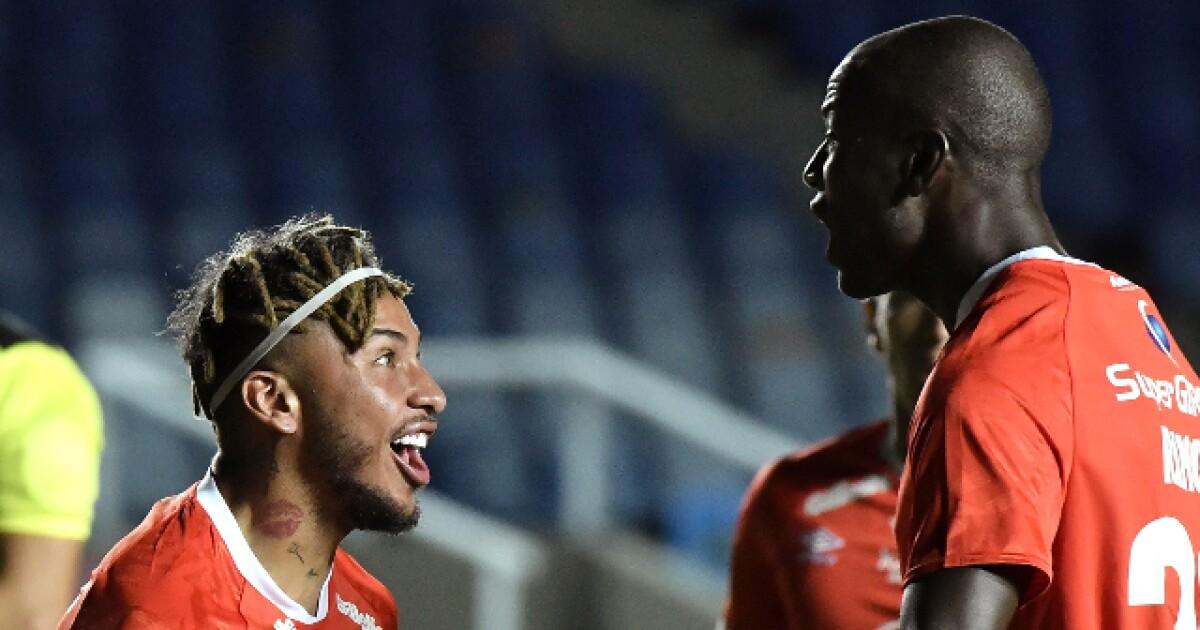 ¡El 'diablo' resucitó! América de Cali le ganó 3-1 a La Guaira y está vivo en la Copa Libertadores