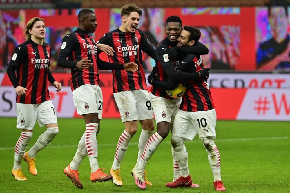 Milan celebra vs Torino