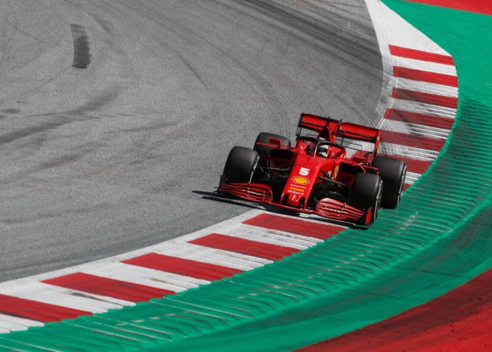 370573_Ferrari SF1000/ AFP