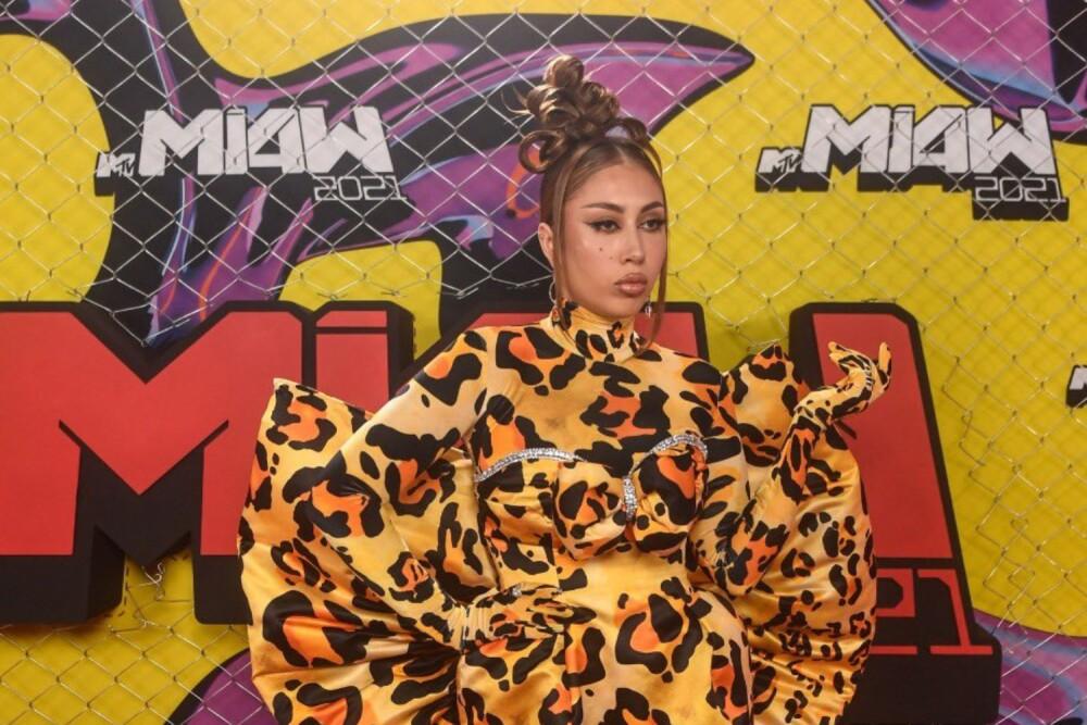 Kali-Uchis-pink-carpet-Kenia-Os-Premios-MTV-MIAW-2021.jpg