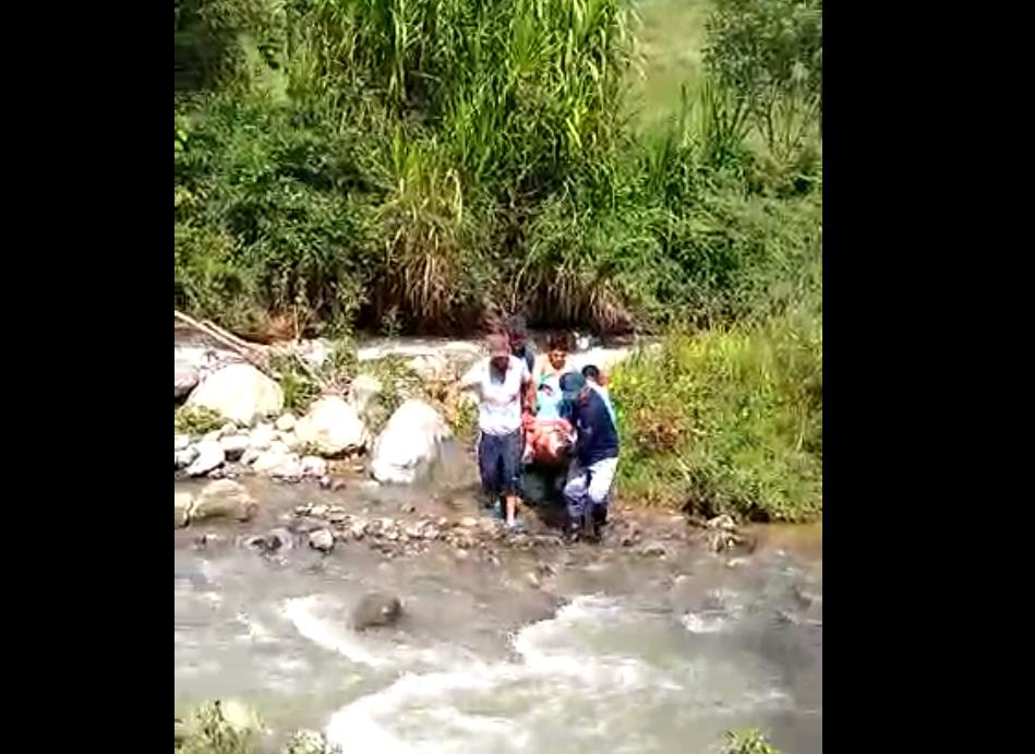 Rescate de una mujer en Salgar, Antioquia.png