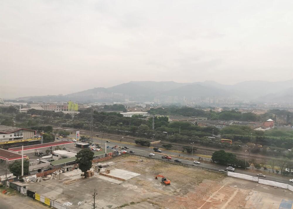 341264_BLU Radio. Aire en Medellín amaneció con varias estaciones en naranja / Foto: BLU Radio
