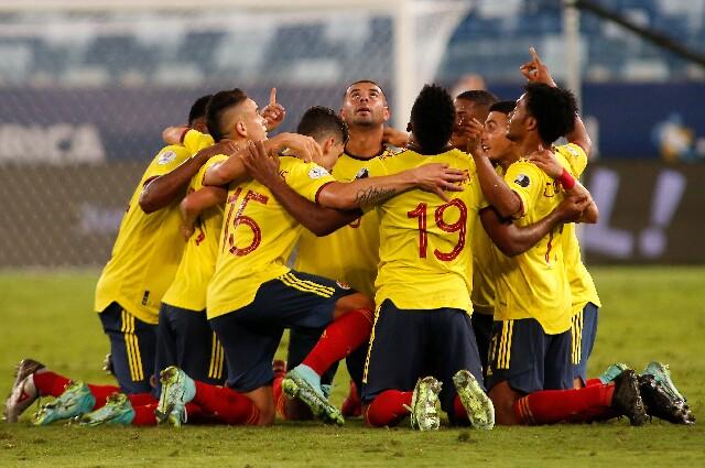 Selección Colombia contra Brasil