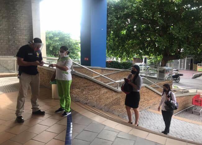 372685_Entrada de los centro comerciales de Barranquilla // Foto: BLU Radio