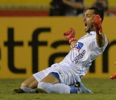 Gol Sebastián Viera vs Barcelona