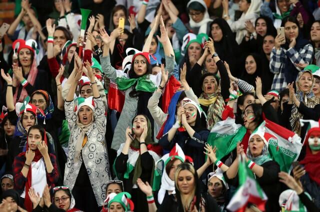 322743_Festejo de las mujeres iraníes