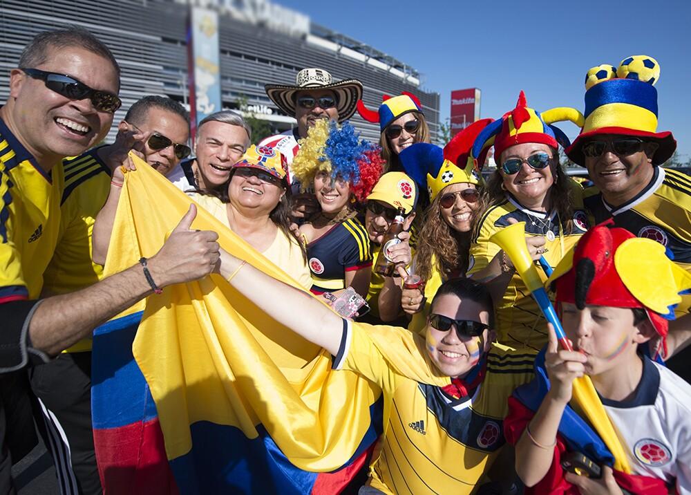 2368_La Kalle - Música para ver el partido de la Selección Colombia - Foto AFP