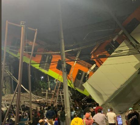 Desploma un tren del metro de Ciudad de México.JPG