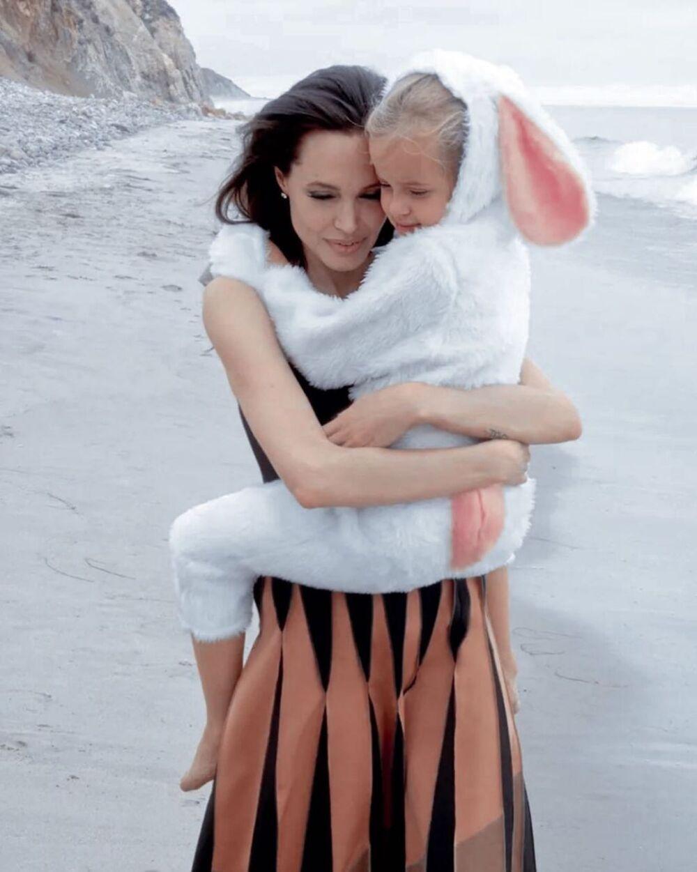 Angelina Jolie y Vivianne Macherline Jolie Pitt.